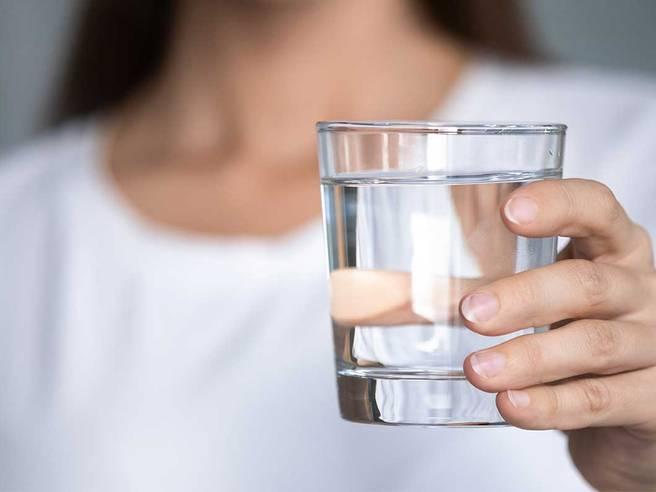 Obrázok ku článku Pijete v práci barelovou vodu? Na toto by ste si mali dať pozor!